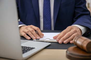 How to Find a Virtual Legal Assistant